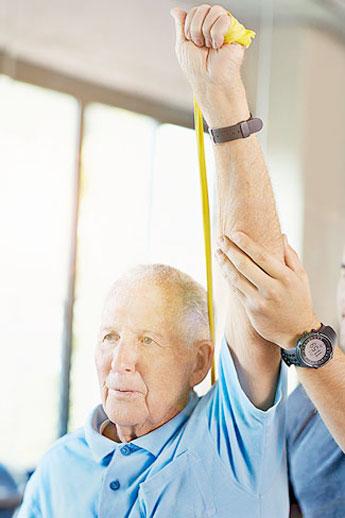 fisioterapia para personas mayores caidas